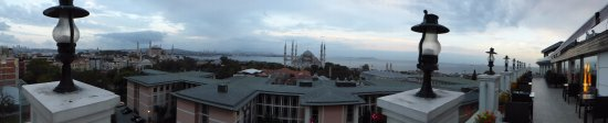 Deluxe Golden Horn Sultanahmet Hotel: Panoramic from the Breakfast/Bar Floor