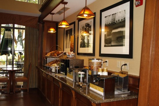 Victor, NY: Complimentary Breakfast