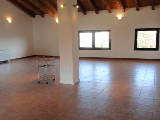 Pianoro, Italia: NUOVA SALA  MEETING