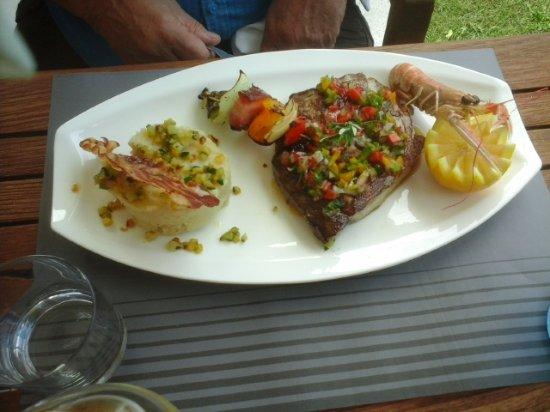 Hourtin, França: le steak de thon frais