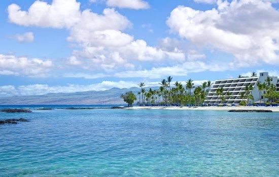 Mauna Lani Bay Hotel & Bungalows : Exterior