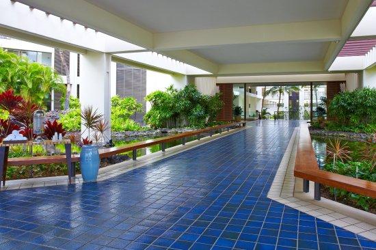 Mauna Lani Bay Hotel & Bungalows : Hotel Entrance