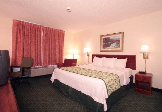 Jeffersonville, IN: King Guest Room