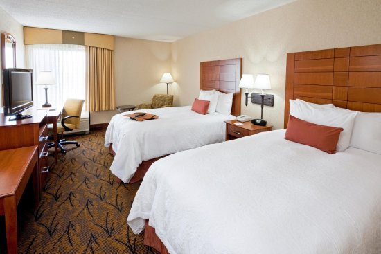Hampton Inn Boston-Logan Airport: Double Beds Guest Room