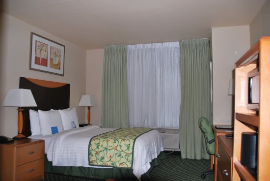 Fairfield Inn New York JFK Airport: Double Bed Guest Room