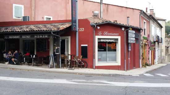 Privas, Frankrijk: Façade et terrasse du restaurant