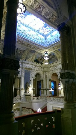 San Pellegrino Terme, Italia: L'interno