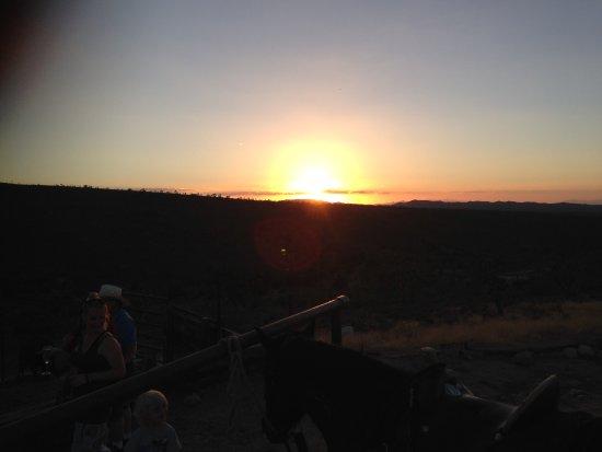 Meadview, AZ: Sun set on late afternoon horseback riding