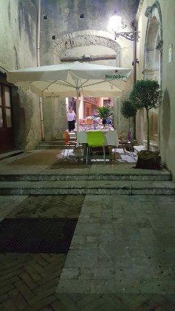 Nizza di Sicilia, Italia: angolo incantevole