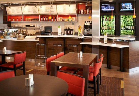 Holland, OH: The Bistro