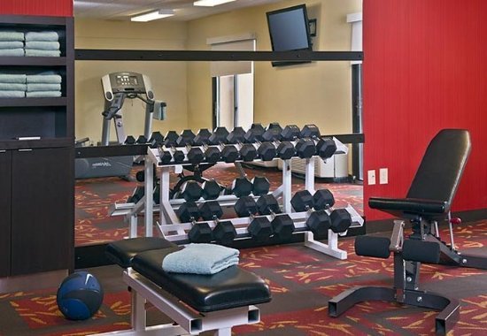 Landover, MD: Fitness Center Free Weights