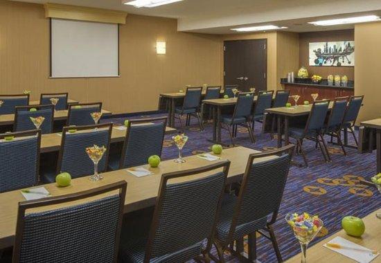 Southfield, MI: Meeting Room – Classroom Setup