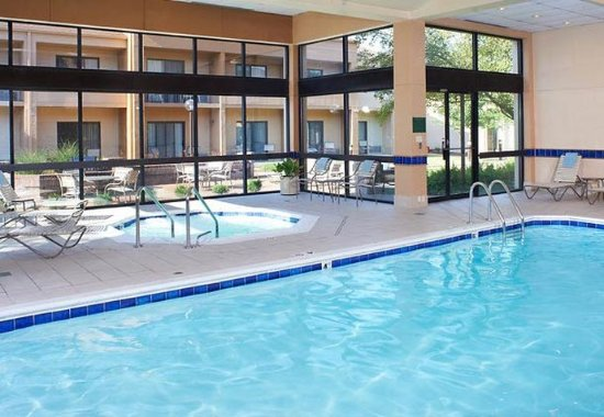 Creve Coeur, MO: Indoor Pool