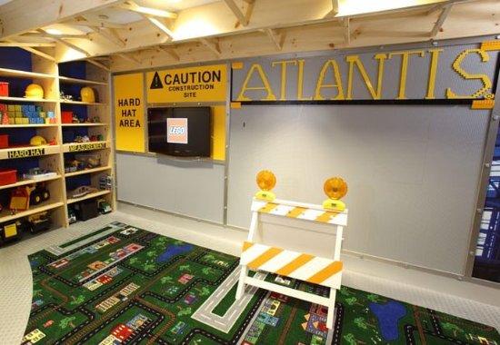 Arlington Heights, IL: Atlantis Kids Adventures - Lego Room