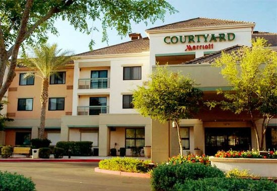 Courtyard Phoenix Chandler