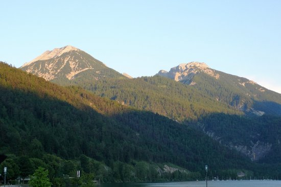 Achenkirch, Østrig: Diese Foto wurde 500 Meter vom Englhof unserer Unterkunft aus gemacht.