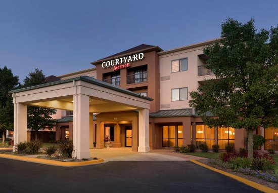 Courtyard Peoria: Entrance