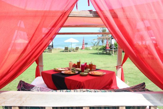 Hotel Tugu Bali: breakfast at the private garden area
