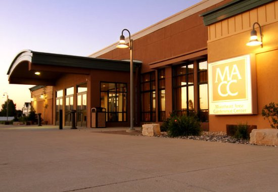 Moorhead, MN : Conference Center Exterior