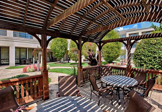 Wall Township, NJ: Outdoor Gazebo Seating Area