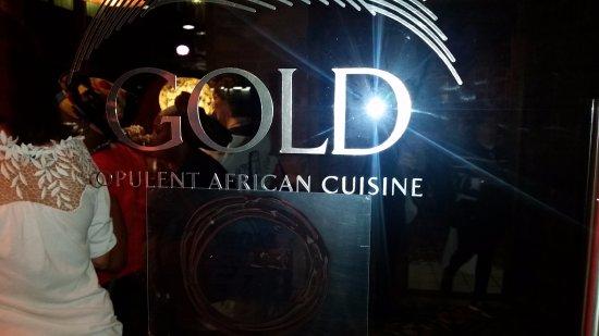 Gold Restaurant: entrance
