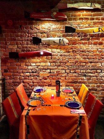 Gold Restaurant: table setting