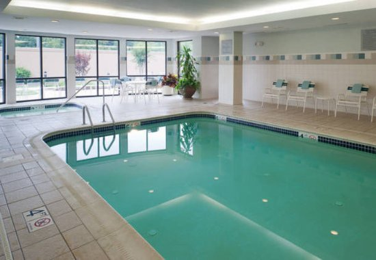 Courtyard Bristol: Indoor Pool