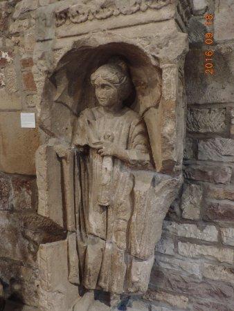 Luxeuil-les-Bains, Francia: Des stèles gallo-romaines sont exposées à la Tour des Echevins