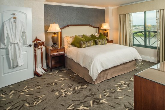 Embassy Suites by Hilton Sacramento - Riverfront Promenade: Presidential Suite Guestroom