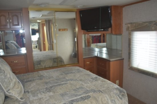 Indian Brook, Canada: New RV