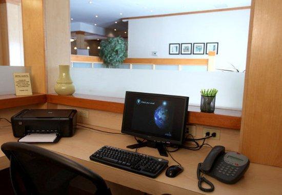 Μπελβίλ, Καναδάς: Business Center