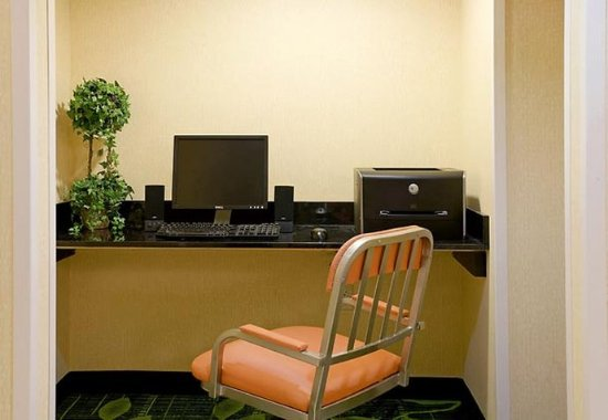 Middleboro, MA: Business Center
