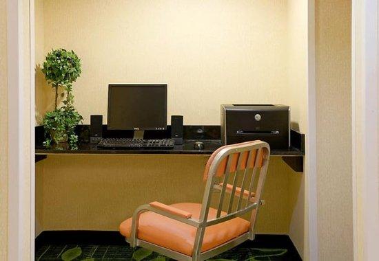 Middleboro, MA : Business Center