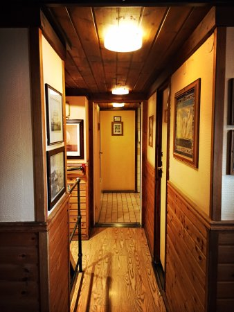 The Red Boat Hotel & Hostel: hallway to the bathrooms