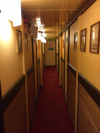 The Red Boat Hotel & Hostel: hallway to rooms