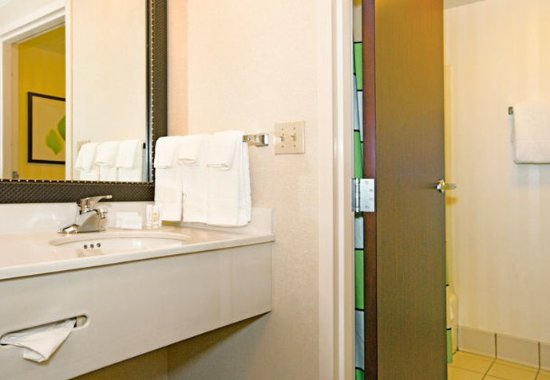 New Stanton, Pensilvania: Guest Bathroom