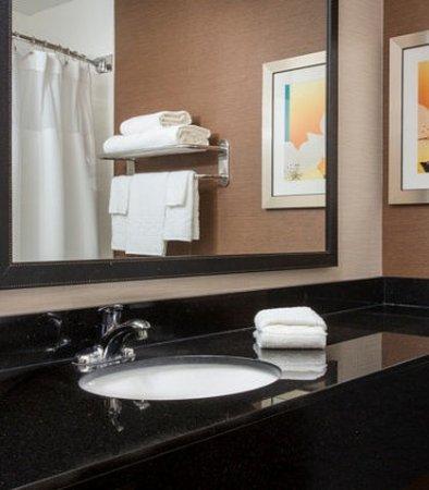 Greeley, CO: Guest Bathroom