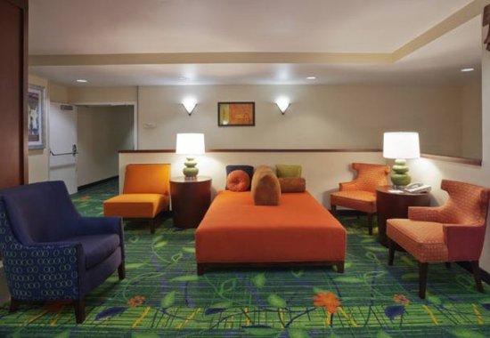 Beaverton, OR: Lobby Seating Area