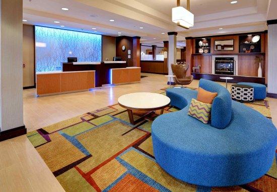 Fairfield Inn & Suites Wausau: Lobby