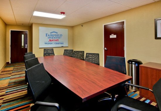 Fairfield Inn & Suites Raleigh Crabtree Valley : Boardroom