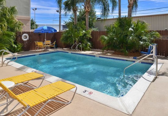 Kenner, LA: Outdoor Pool