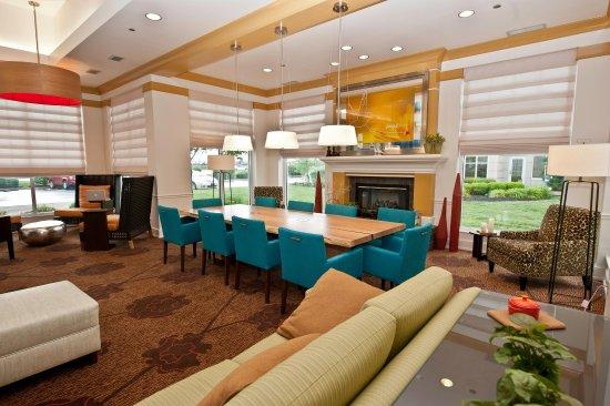 Jeffersontown, Кентукки: Lobby Sitting Area
