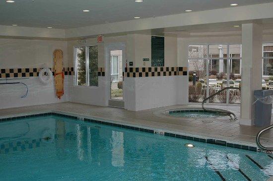 Jeffersontown, Кентукки: Indoor Pool & Whirlpool