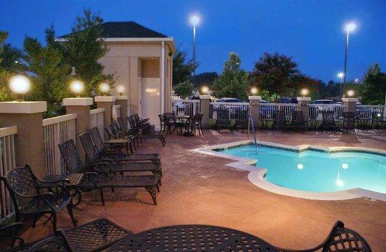 Hilton Garden Inn Charlotte North: Outdoor Pool