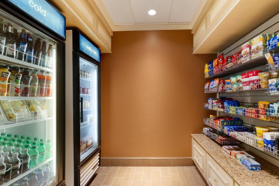 Lithonia, GA: Pavilion Pantry