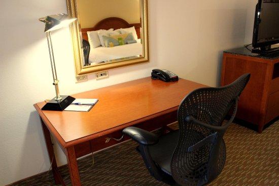 Pineville, Caroline du Nord : Guest Room Desk