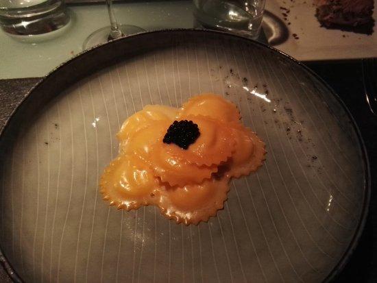 Glass Hostaria: Ravioli di parmigiano 60 mesi con tartufo