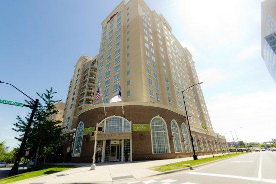 Hilton Garden Inn Charlotte Uptown: Hotel Exterior