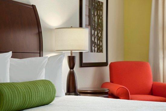 Hoffman Estates, IL: King Guest Room