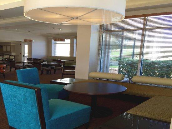 Hilton Garden Inn Gilroy: Garden Grille and Bar